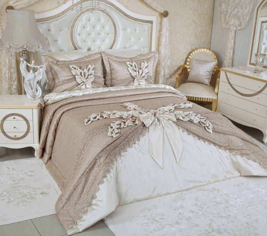 dantel yatak örtüleri