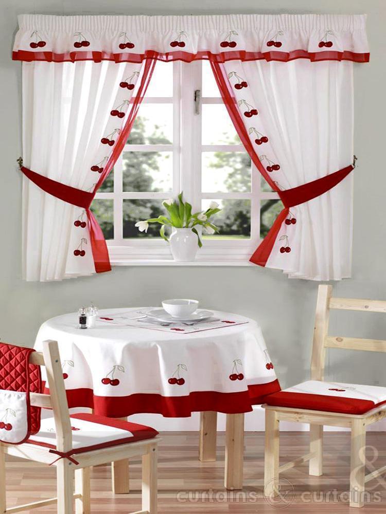mutfak için Kırmızı perde modelleri