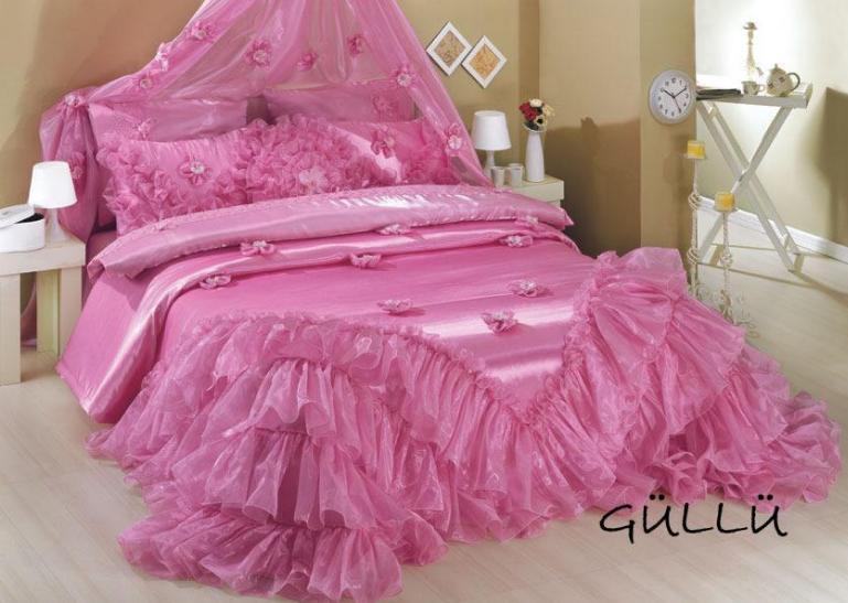 pembe yatak örtüsü modelleri